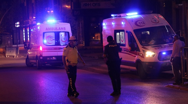 Düzcede hasta taşıyan ambulans kaza yaptı
