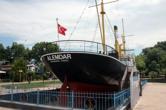 Gazi gemi Alemdar yeniden ziyarete açıldı