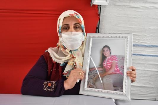 Diyarbakırdaki evlat nöbetine bir anne daha katıldı
