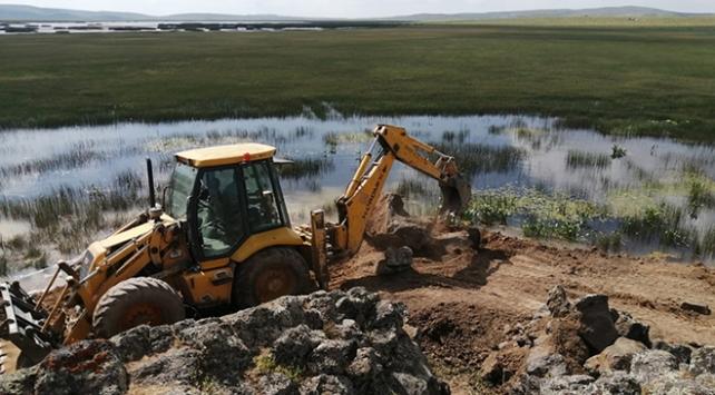 Bitlisteki Batmış Gölünün kurumaması için çalışma başlatıldı