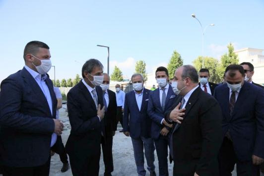 Bakan Varank, Serdivan Belediyesini ziyaret etti