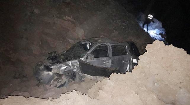 Alanyada kamyonet şarampole devrildi: 1 ölü, 3 yaralı