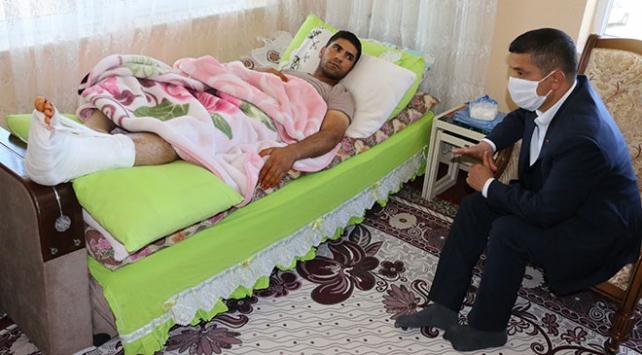 Kaymakam Mehmetbeyoğlu yaralı askeri ziyaret etti