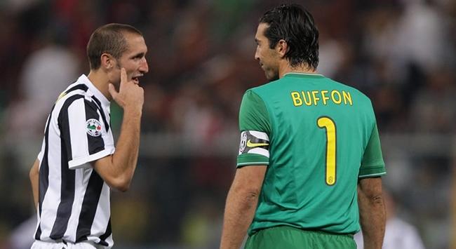 Juventus Buffon ve Chellininin sözleşmelerini uzattı