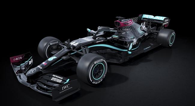 Irkçılığa karşı Formula 1e siyah renkli araç