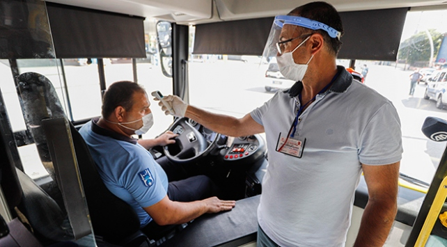 Ankarada araçlar tek tek durduruldu, maske denetimi yapıldı