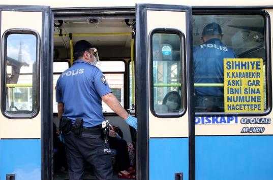 Keçiörende ulaşım araçları ve otobüs duraklarında koronavirüs tedbirleri denetimi yapıldı