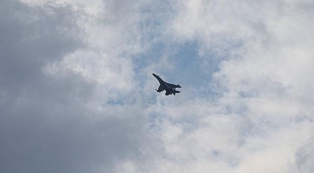 Rus uçakları, Karadenizde ABD uçaklarını önledi