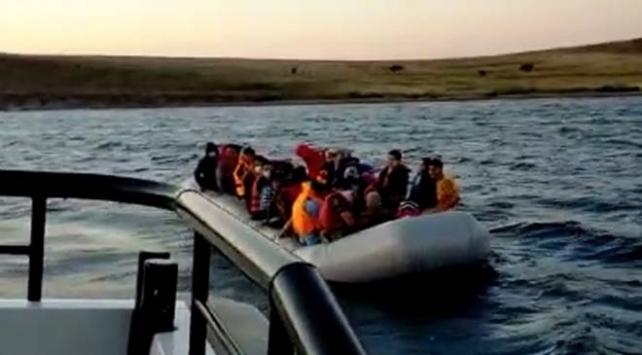Türk kara sularına itilen 40 sığınmacı kurtarıldı