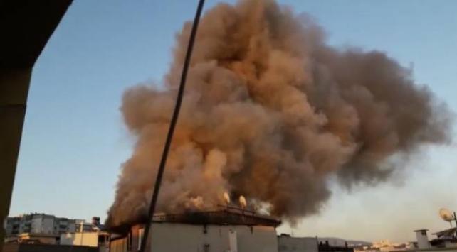 İzmirde çatı katında yangın