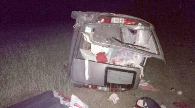 Sivasta ticari araç devrildi: 4 yaralı