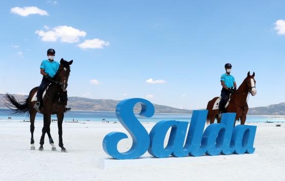Salda Gölü, atlı jandarmaya emanet