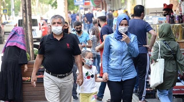 Sosyal mesafe ve maske, bulaşıcı hastalıkları azalttı