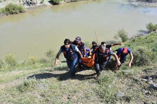 Serinlemek için Aras Nehrine giren gencin cesedi bulundu