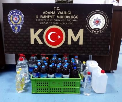 Adanada imalathaneye dönüştürülen evde 1575 litre sahte içki ele geçirildi