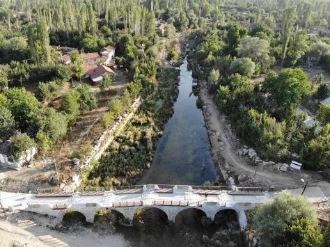 Aizanoinin ziyaretçileri nehirde kayıkla Antik Çağa yolculuk yapacak
