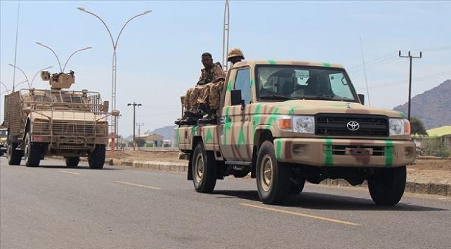 Yemende İrandan Husilere gönderilen silahlar ele geçirildi