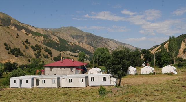 Bingölde depremzedeler için konteyner evler kuruluyor