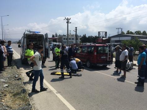 Hatayda hafif ticari araçla çarpışan motosikletin sürücüsü öldü