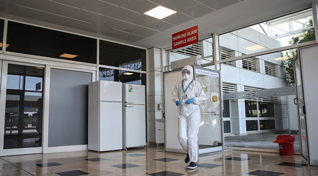 Türkiyede bir ilk: Antalya Havalimanında COVID-19 laboratuvarı kuruldu