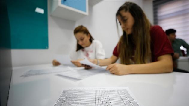 Lise ve üniversite sınavlarına giren öğrencilere danışmanlık desteği