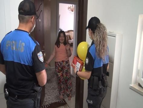 Gaziantepte down sendromlu çocuğun isteğini polisler gerçekleştirdi