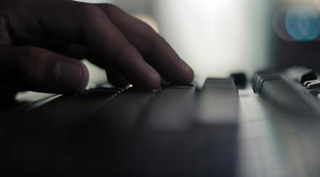Bakan Albayraka sosyal medyadan hakarete gözaltı