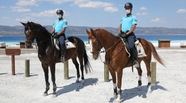 Atlı jandarma birliği Türkiyenin Maldivlerinde göreve başladı
