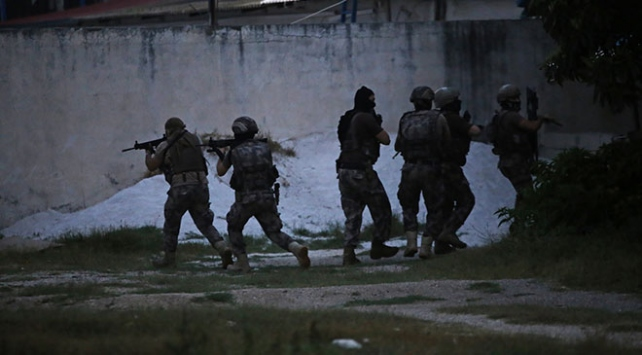 Adanada DEAŞ operasyonu: 3 gözaltı