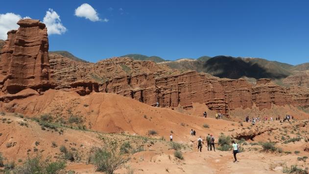 Kırgızistandaki Konorçok Kanyonuna turist ilgisi artıyor