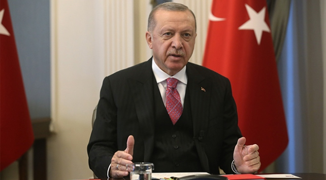 Cumhurbaşkanı Erdoğan: Sosyal medya ile ilgili kapsamlı bir düzenleme üzerinde çalışıyoruz