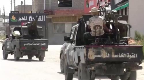 Hafter saflarında savaşan milisler: Ordu için savaşıyoruz sandık