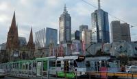 Melbourne'de bir aylık COVID-19 yasakları başladı