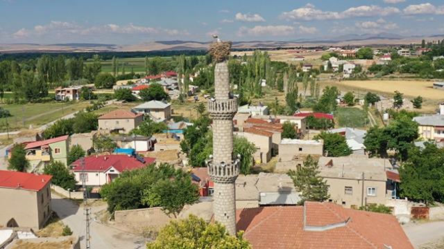 """""""Hatırlı"""" misafirleri var diye ne direğe dokundular ne de minareye..."""