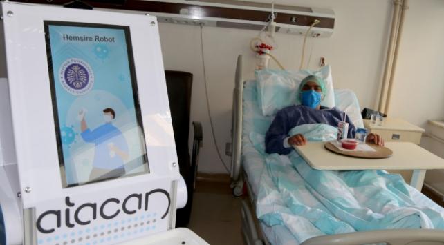Hemşire robot Atacan göreve başladı