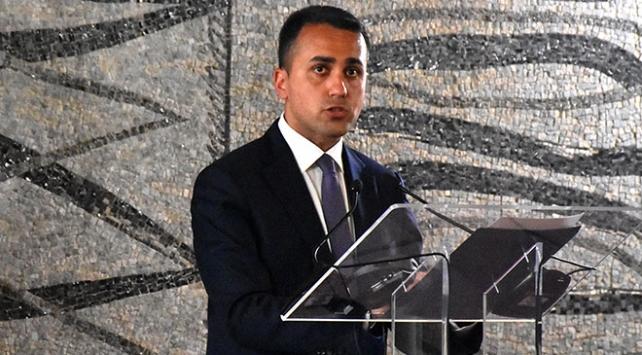 Fransız Bakan Le Drian Libya Başbakanı Serrac ile görüştü