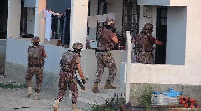 Adanada 30 ayrı suça karışan organize suç örgütüne operasyon: 13 gözaltı