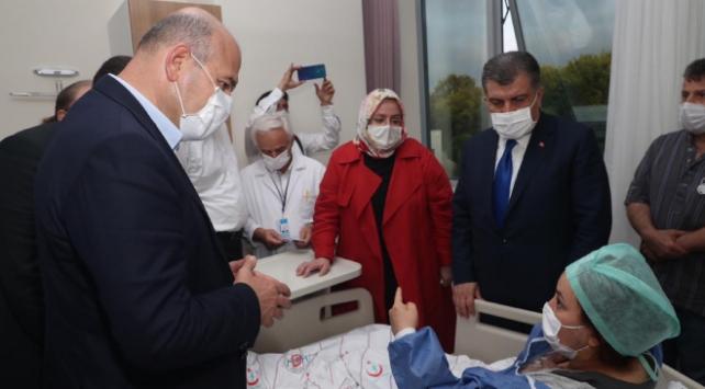 Bakanlar Sakaryadaki patlamada yaralananları ziyaret etti