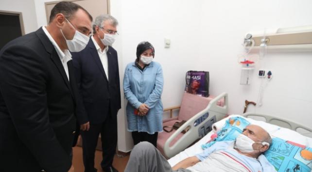 Sakarya Valisi ve Büyükşehir Belediye Başkanı yaralıları ziyaret etti
