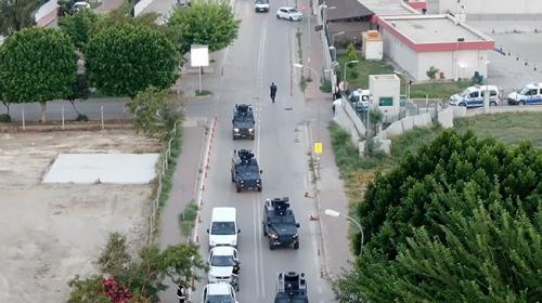 Tarım arazilerine zorla el koyan silahlı örgüt üyeleri yakalandı