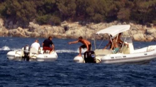 Kaptanı denize düşen sürat botu kendi etrafında dönüp durdu