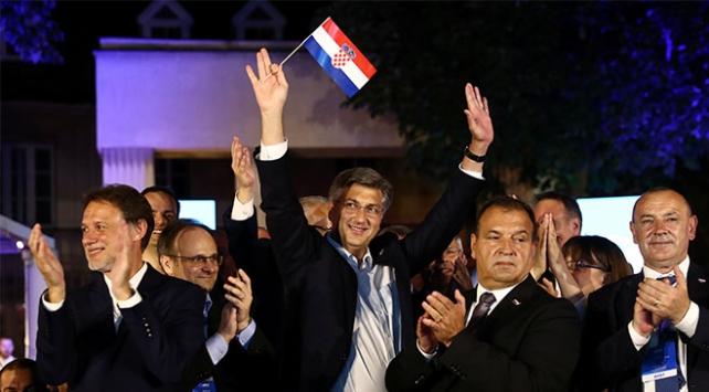 Hırvatistanda seçimi Hırvat Demokrat Birliği kazandı
