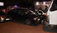 Kediye çarpmak istemeyen sürücü park halindeki araçlara çarptı