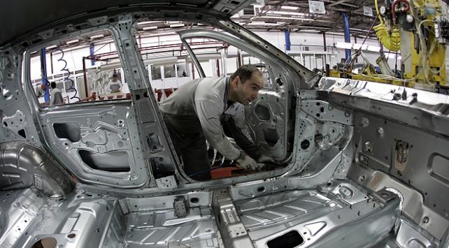 Fiat Chrysler, Sırbistanda otomobil üretimine yeniden başladı