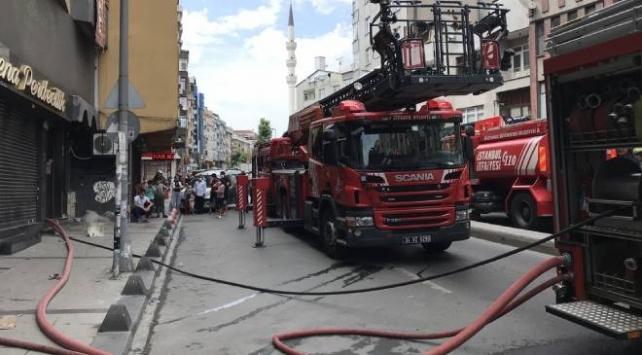 Zeytinburnunda iş yeri yangını