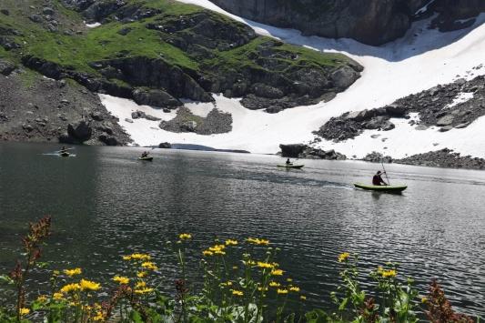 Giresunda 2 bin 750 rakımlı buzul gölünde kano etkinliği yapıldı