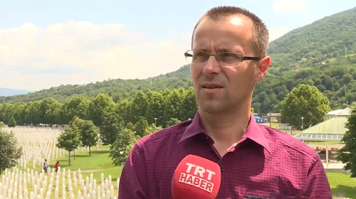Srebrenitsa'dan sağ kurtulan Bosnalı Nedzad, yaşadıklarını TRT Haber'e anlattı