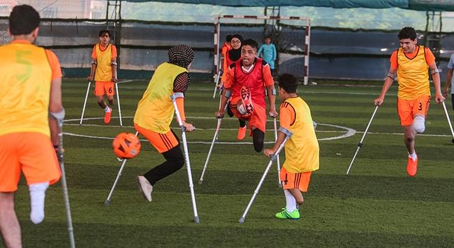 Gazzede ampute futbol antremanları yeniden başladı