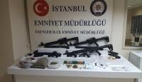 İstanbul'da uyuşturucu satıcılarına yönelik operasyonlarda gözaltına alınan 20 şüpheliden 5'i tutuklandı