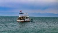 Van Gölü'nde kaybolan tekneyi arama çalışmalarında 1 kişinin daha cesedi bulundu